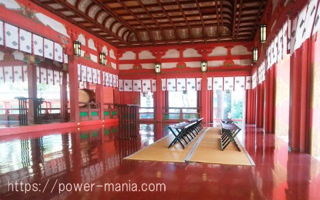 長田神社の拝殿を横から見たところ