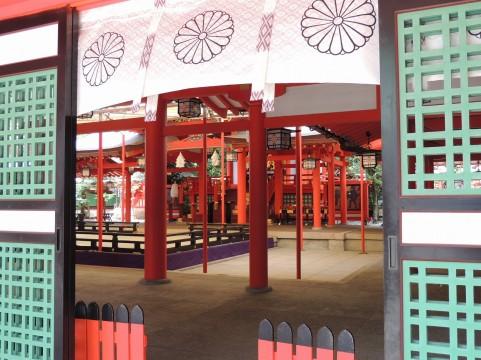 生田神社の本殿内部