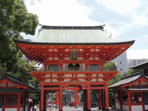 生田神社の境内から外を見たところ
