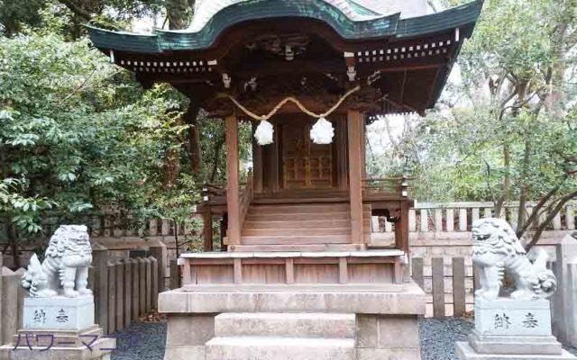 湊川神社にある菊水天満神社の正面