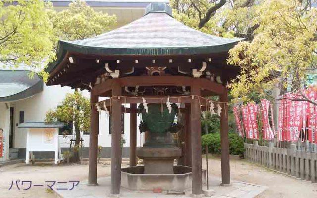 湊川神社の龍の鐘