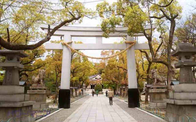 湊川神社・石の鳥居