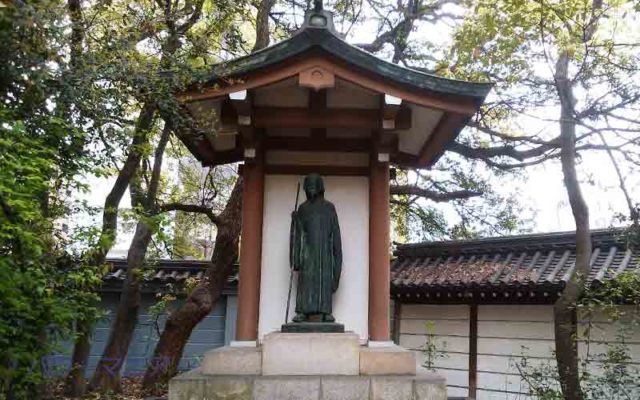 湊川神社の徳川光圀の銅像