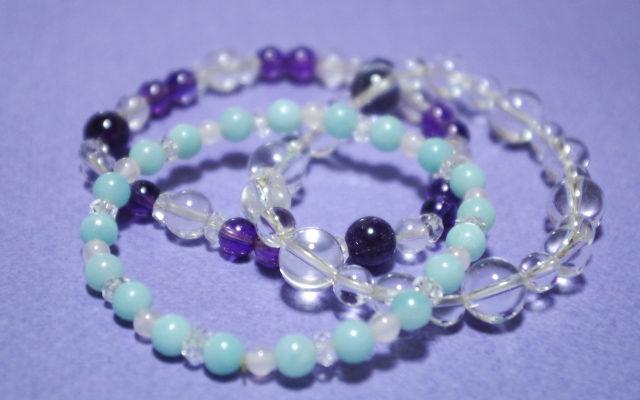 水晶と紫のパワーストーンブレスレット