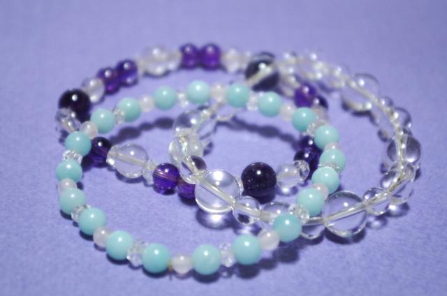 水晶と紫のパワーストーン