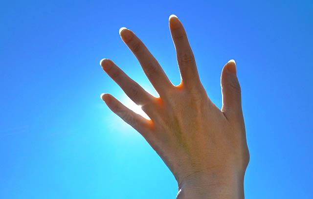左手からエネルギー