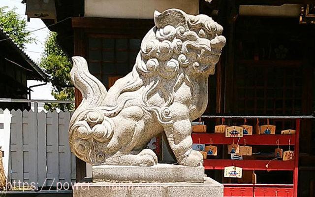 柳原天神社の拝殿左の狛犬