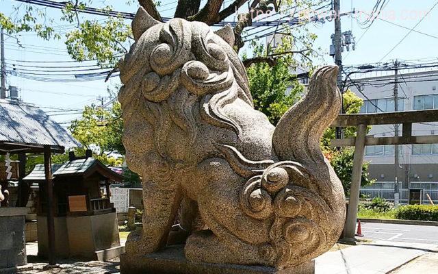 柳原天神社の狛犬の後ろ姿