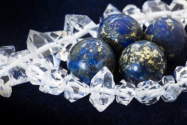 ラピスラズリと水晶