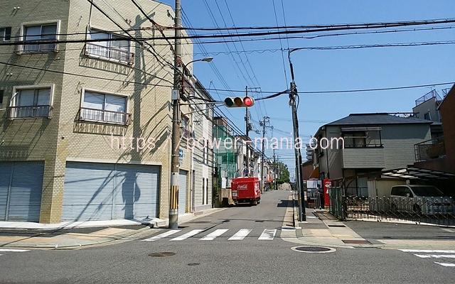 祇園神社から八宮神社へのアクセス・信号を渡る