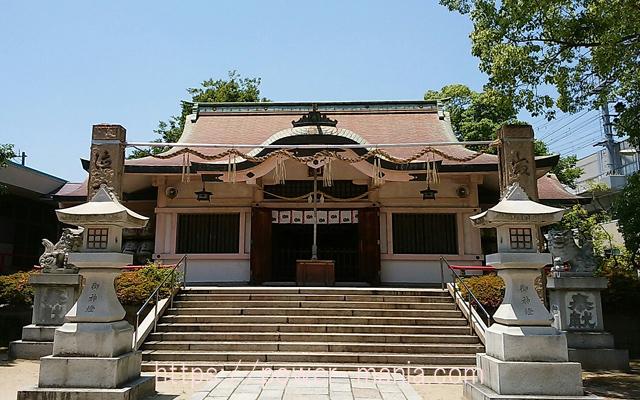 船寺神社の拝殿正面