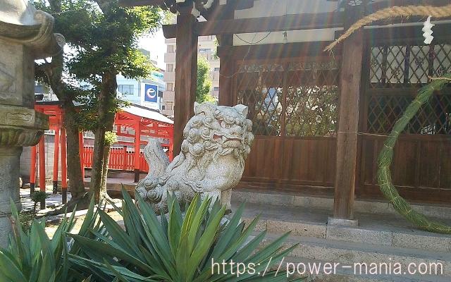 八宮神社の左の狛犬