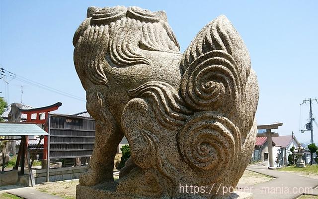 五宮神社の左の狛犬の後ろ姿