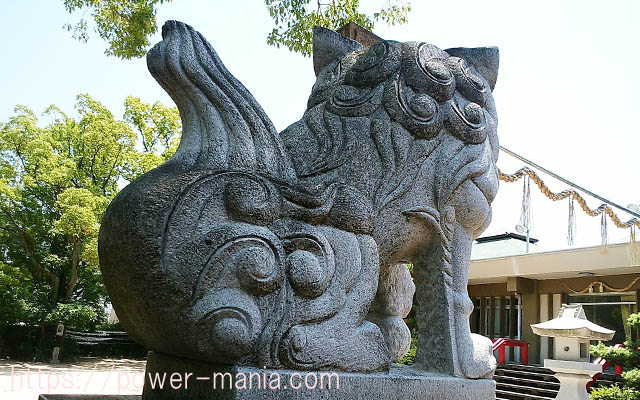 船寺神社の右の狛犬の後ろ姿