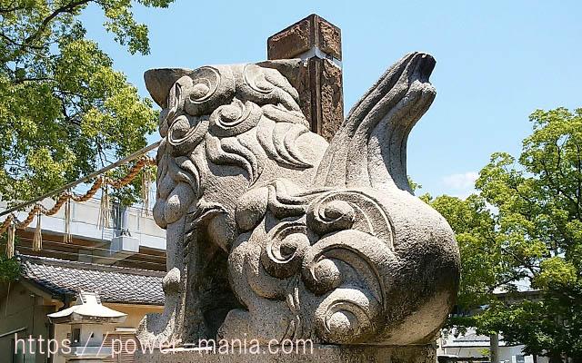 船寺神社の左の狛犬の後側