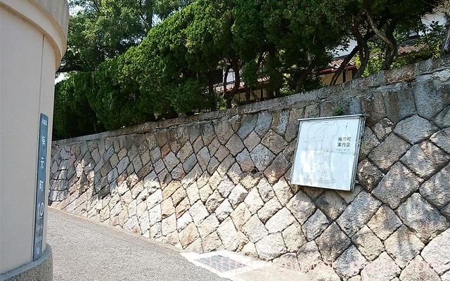 五宮神社へのアクセス・道を左に曲がる