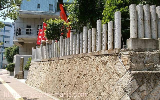 四宮神社の出て右側の道