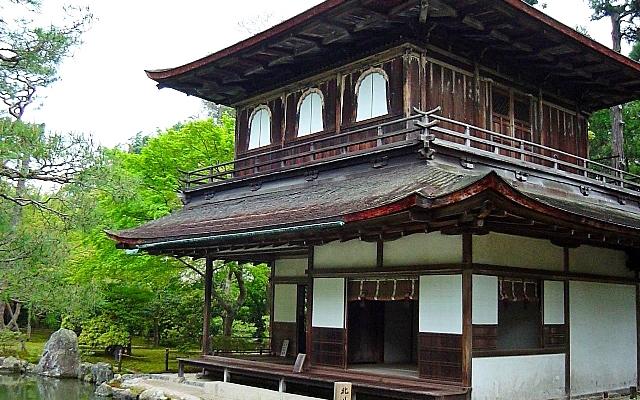 銀閣寺の観音殿の縁側