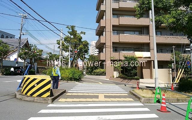 祇園神社から八宮神社へのアクセス・工事中の横断歩道