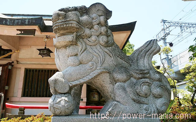 船寺神社の狛犬・右
