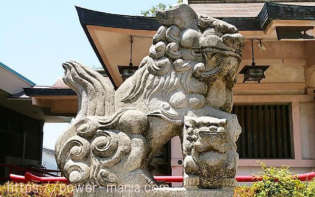 船寺神社の左の狛犬アップ