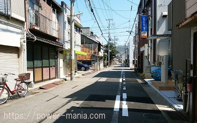 祇園神社から八宮神社へのアクセス・静かな街