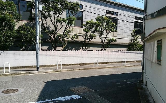 神戸駅へのアクセス・右へ進む