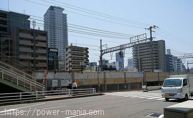 四宮神社へのアクセス・元町駅を出た道