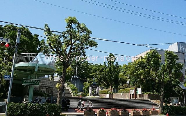 祇園神社から八宮神社へのアクセス・中央図書館