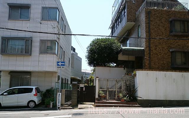 五宮神社へのアクセス・突き当たりの道