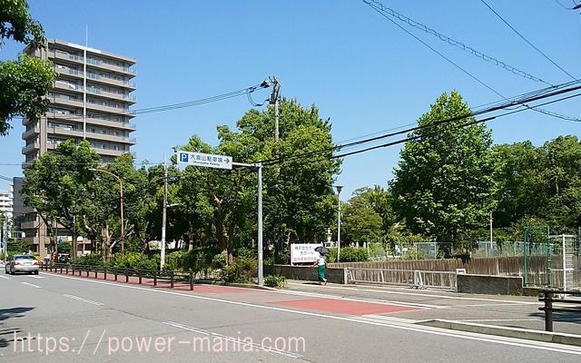 祇園神社から八宮神社へのアクセス・道を渡る
