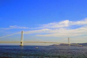 淡路島へ続く明石大橋