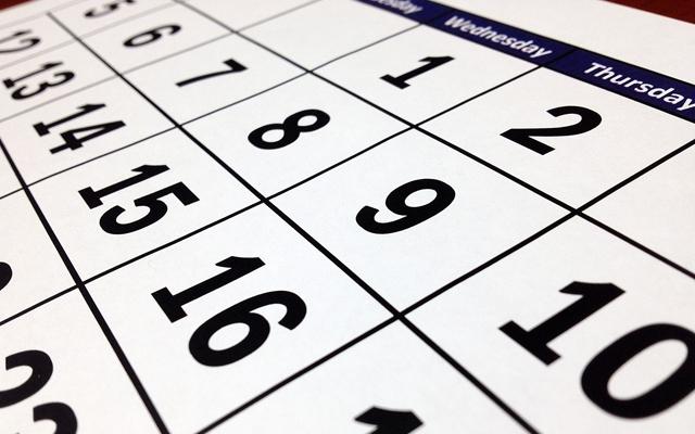カレンダーの数字・財布を使い始める日のイメージ