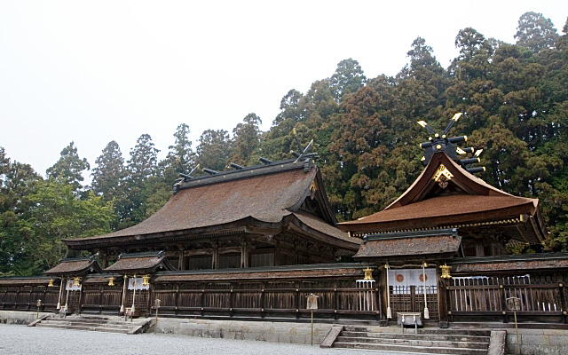 熊野本宮大社の本殿前