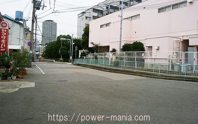 松尾稲荷神社の前・神戸駅へのアクセス