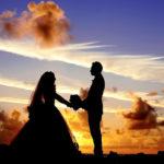 恋愛運アップのイメージ・結婚式の男女のシルエット