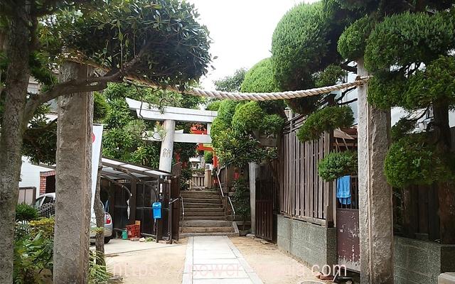 松尾稲荷神社の石の鳥居