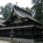 香取神宮の拝殿横