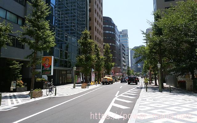 小野八幡神社への道・ジャパン前