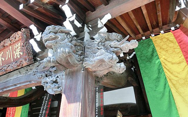 深川不動堂の柱