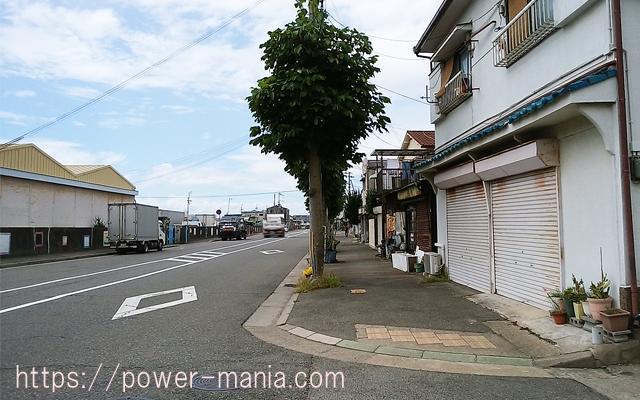 駒林神社への道・道沿いに進む