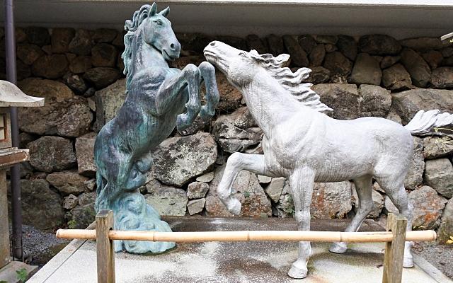 貴船神社の馬