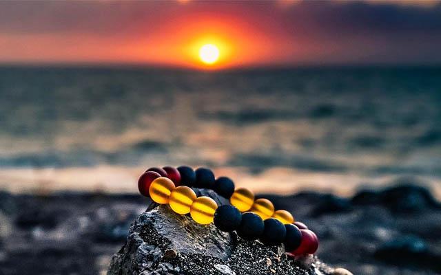 夕日とパワーストーンブレスレット
