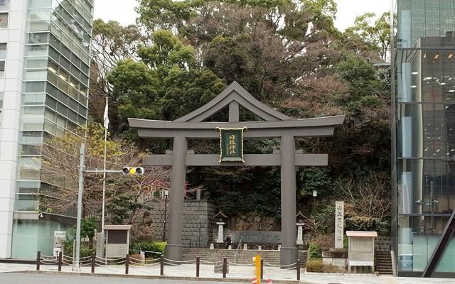 日枝神社の裏参道の鳥居