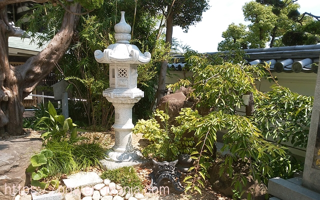 須磨寺の境内