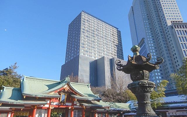 都会の中にある日枝神社の社殿