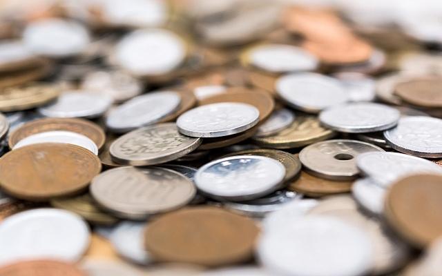 お賽銭の硬貨