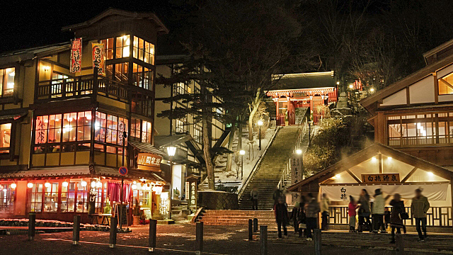 草津温泉夜のライトアップ