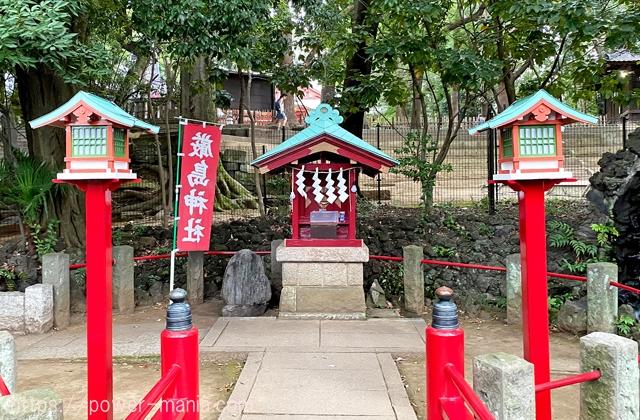 厳島神社の祠