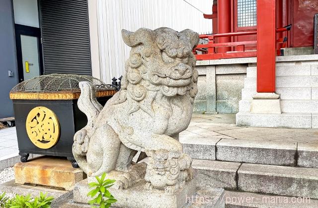 魚河岸水神社の左の狛犬